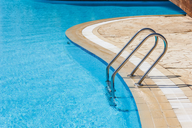 Things To Consider When Selecting The Right Swimming Pool Contractor