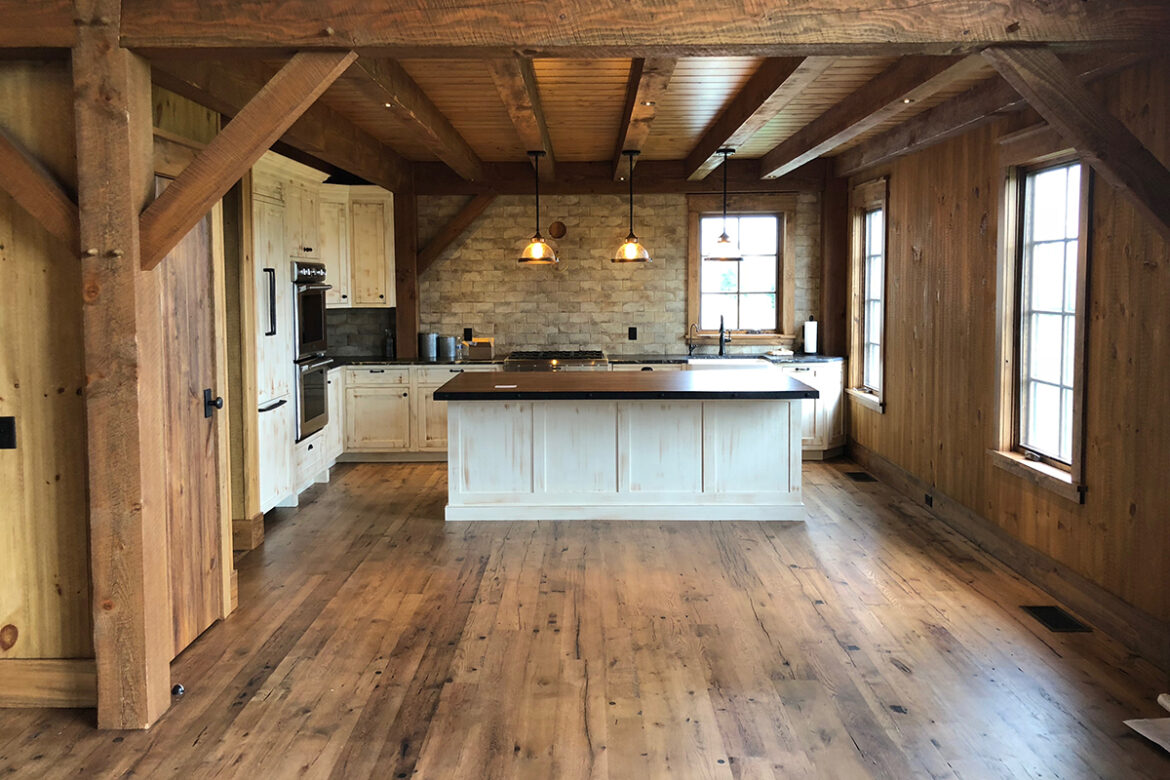 Points to Remember When Buying Reclaimed Wood Flooring Online